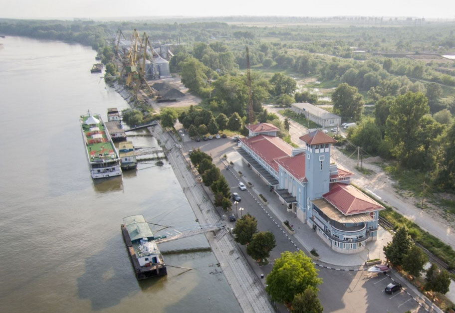 aerial-pictures-bucharest-danube-river-between-giurgiu-and-russe--0902796285_5_huge.jpg